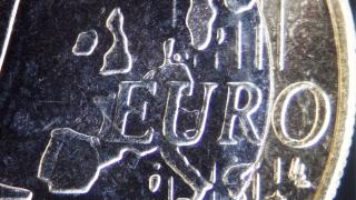 Дават повече власт на регулатори в ЕС да замразяват банкови плащания