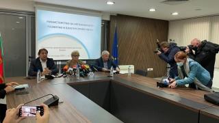 Комитова не разбрала за какво се протестира, очаква собствениците на пътностроителни фирми