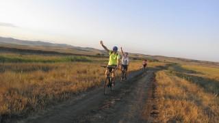 На колело около Атанасовското езеро