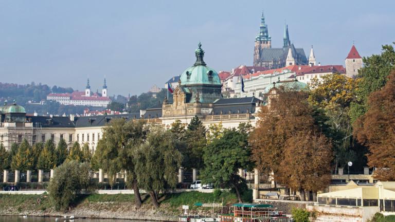 Чехия разреши самозащитата с оръжие с конституционни промени