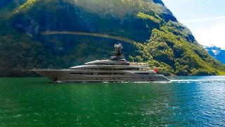 С Бионсе и Джей Зи на яхта за 180 милиона долара
