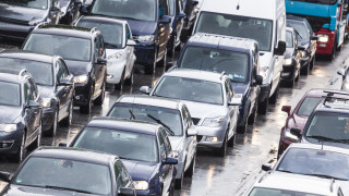 Продажбите на нови автомобили у нас с втори пореден ръст след продължителен спад