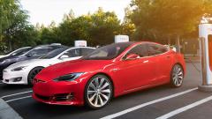 Tesla удвоява своите зарядни станции