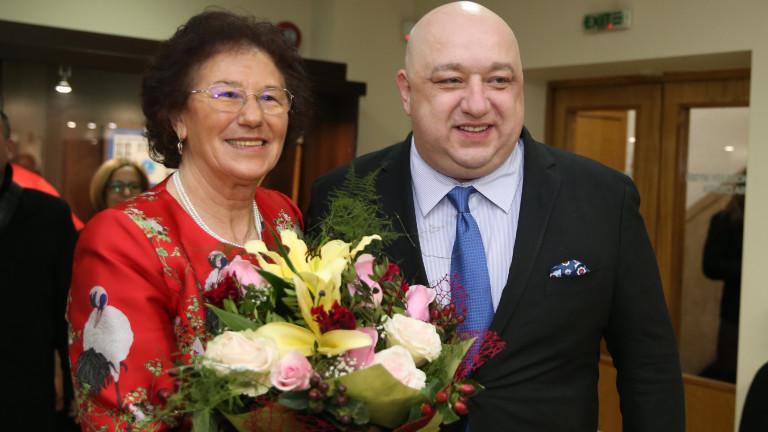 """Министър Кралев присъства на представянето на книгата за Йорданка Благоева """"Босоногата кралица"""""""