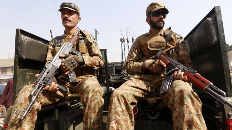 Пакистан погна екстремистите, обвинени за нападението в Кашмир