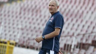 Никола Спасов още не е решил за френския нападател
