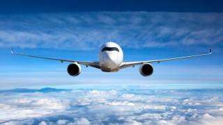 Самолет без прозорци