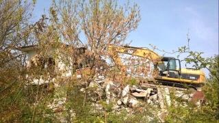 МОН сезира прокуратурата за разрушена сграда в Равда