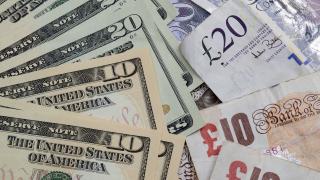 Паундът приключва месеца на печалба спрямо долара