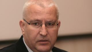 Цветанов сам признал, че ДПС крепи правителството, според Малинов