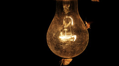 Да произвеждаме електричество от студеното нощно небе?