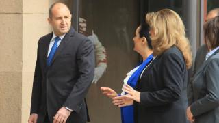 Румен Радев критикува Борисов за кампания с държавни пари