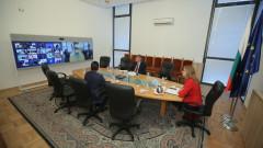Захариева иска коридор в ЕС за българите, които искат да се върнат у нас
