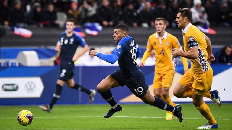 Франция надви с 2:1 Молдова в мач от квалификациите за