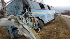 Линейка и автобус се удариха на пътя София-Варна