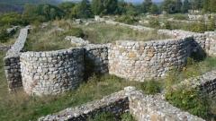 "Микробус-кабриолет ще превозва туристи до крепостта ""Кракра"""