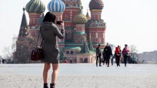 Украинка се обяви за съпруга на Путин на Червения площад, арестуваха я