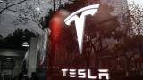Откритие: Можем да излъжем автопилота на Tesla, че има човек зад волана