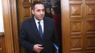 Eмил Караниколов е под карантина заради полета до ОАЕ