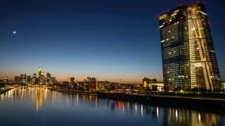 Безработицата в еврозоната се повишава до 7,9%, но се задържа от схемите за подкрепа