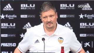 Любо Пенев е уволнен от Валенсия, но продължава да ходи на работа