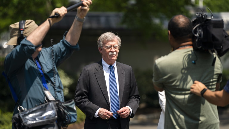 Болтън обясни действията на САЩ във Венецуела с нарастващото влияние на Русия и Китай