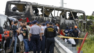 Китайски туристи загинаха в запалил се автобус в Тайван