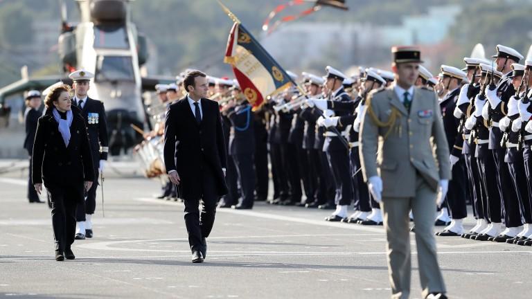 Макрон увеличава военните разходи, модернизира армията