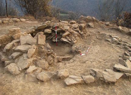 Надгробна тракийска могила откриха край Правец