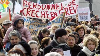 Рекорден спад в рейтинга на Саркози