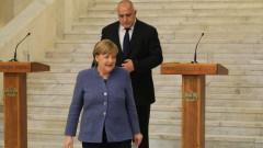 Меркел не ни натискала, а разбирала за РС. Македония
