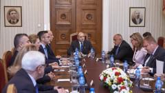 Румен Радев настоява да се начертаят червените линии спрямо Северна Македония