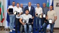 Почетни плакети от Кралев за медалистите ни от Световното първенство по лека атлетика за хора с увреждания