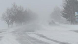 """Сняг вали на проходите """"Предел"""", """"Петрохан"""" и """"Шипка"""""""