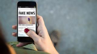 Facebook взима мерки срещу потребителите, които споделят дезинформация