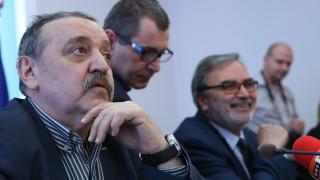 Няма хаос в данните за COVID-19, уверява проф. Кантарджиев