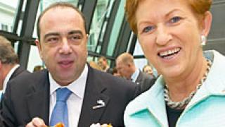 Еврокомисарят по храните заминава за Москва