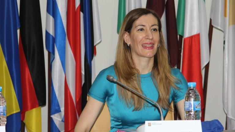 Ангелкова убедена, че мерките срещу Covid-19 са засегнали най-силно туристическия бранш