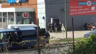 """Във Франция член на ДАЕШ взе заложници, крещи: """"Аллах акбар, ще ви избия всички"""""""