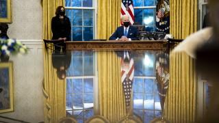 Байдън рекордьор по издадени заповеди от президент на САЩ през първия месец