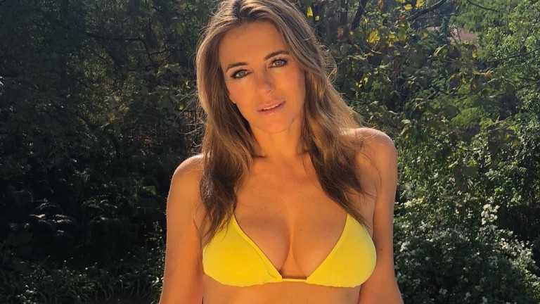 Колко секси е Лиз Хърли в новите си бански