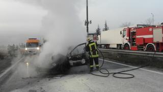 """Кола се запали на АМ """"Тракия"""""""