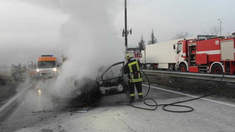 56-годишен мъж загина в горящата си кола в Димитровград