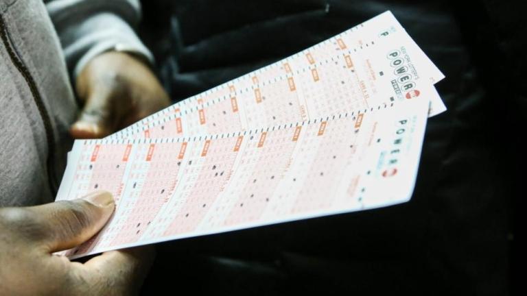Шеф по сигурността на държавната US лотария нагласил с код 6 пъти числата