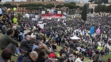 Хиляди в Рим протестират срещу узаконяването на гей браковете