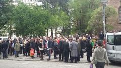 Самодейци протестират срещу затягането на мерките в Ловеч