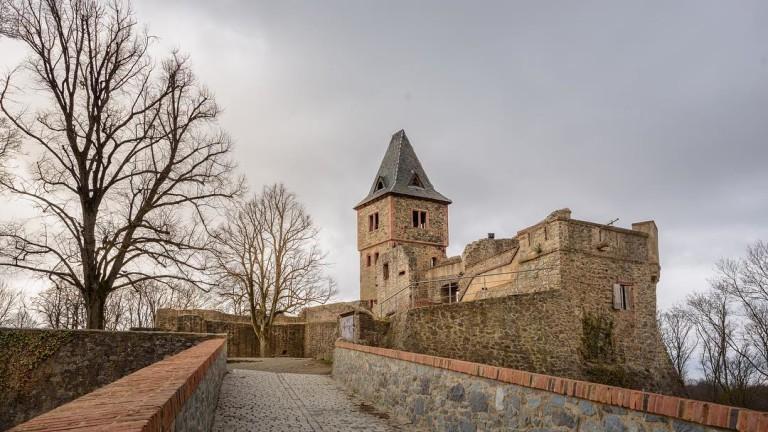 Замъкът Франкенщайн е едно забулено в тайни и мистерии средновековно