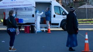 САЩ счупиха рекорда за заразени с коронавируса за денонощие