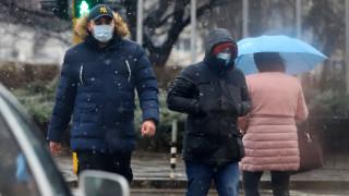 Зимата се завръща, жълт код за силен вятър в цялата страна
