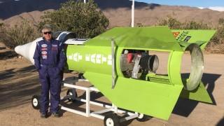 Мъж си построи ракета, за да докаже, че Земята е плоска